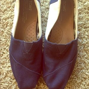 Lightly used Toms ... closet clean out